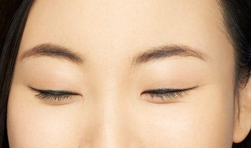 Prendre soin de son contour des yeux